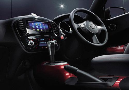 handling New Nissan Juke 2015